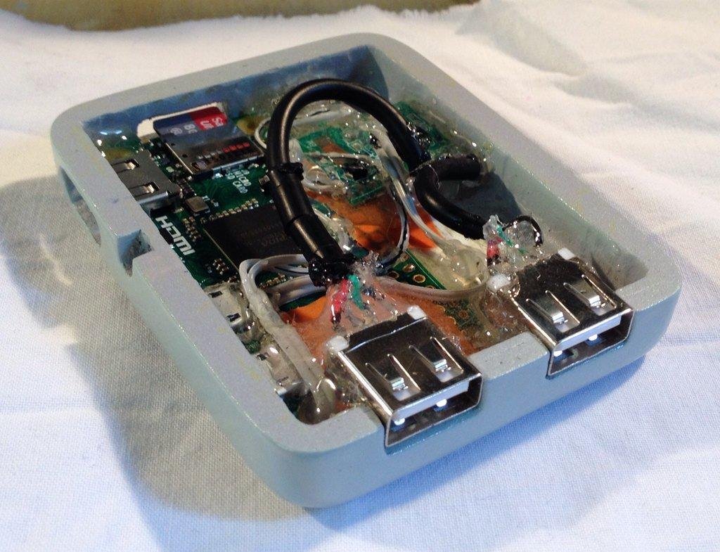 The Pi Zero inside the SNES Micro clay case