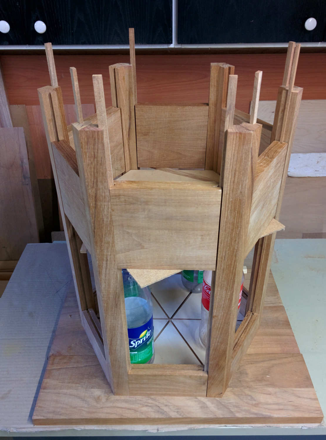 Using his woodworking skills, Stefan made a hexagonal case with six triangular compartments